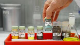Des échantillons d'uranium au laboratoire de l'Agence internationale pour l'énergie atomique (AIEA) à Seibersdorf, en Autriche, en 2018.