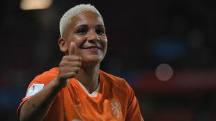 Shanice van de Sanden, le 25 juin 2019, à Rennes, à la fin de la rencontre contre le Japon.