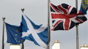 Selon un premier sondage, les Écossais préfèrent rester dans le Royaume-Uni.
