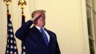 Donald Trump à son retour à la Maison Blanche après son hospitalisation pour le soigner du Covid-19, le 5 octobre 2020