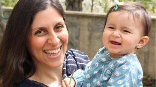 L'Irano-Britannique Nazanin Zaghari-Ratcliffe avec sa fille Gabriella, avant son arrestation en avril 2016.