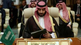 El príncipe Mohamed bin Salman, señalado por la ONU de participar en el asesinato del periodista Jamal Khashoggi, participa en la Cumbre Árabe en la Meca, Arabia Saudita, el 31 de mayo de 2019.