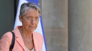Élisabeth Borne à la sortie du Conseil des ministres, le 3 juillet 2019, à Paris.