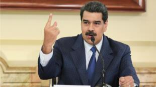 Fotografía cedida por la oficina de Prensa de Miraflores donde se observa al presidente de Venezuela, Nicolás Maduro, mientras habla en un acto de Gobierno en Caracas, Venezuela, el 9 de septiembre de 2019.