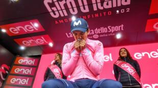 Carapaz, integrante del equipo Movistar, podría convertirse en el segundo latinoamericano en ganar la competencia italiana.