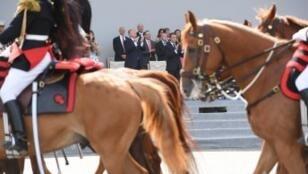 الرئيس الأمريكي أبدا إعجابا كبيرا بالعرض العسكري الفرنسي الذي حضره بباريس في 2017