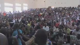 L'assemblée de syndicats de fonctionnaires grévistes s'est réunie à Abidjan, vendredi 27 janvier.