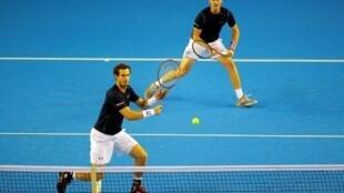 Les frères Andy et Jamie Murray en demi-finale de Coupe Davis face à l'Argentine, le 17 septembre 2016 à Glasgow