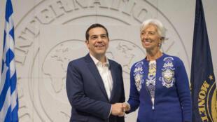 Alexis Tspiras et Christine Lagarde au siège du FMI, à Wadhington, le 16 octobre 2017.