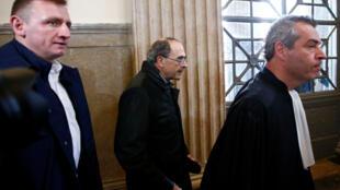 El cardenal Philippe Barbarin a su llegada a la Corte de Apelaciones de Lyon, el 28 de noviembre de 2019.