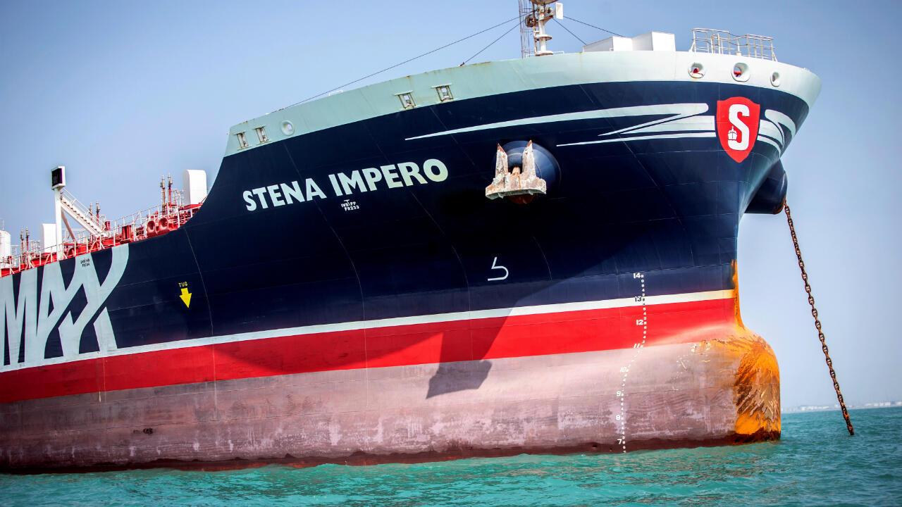 El barco de bandera británica Stena Impero fue detenido por Irán en julio. En la imagen, el buque se encuentra en algún punto en la costa de Bandar Abbas, Irán, el 22 de agosto de 2019.