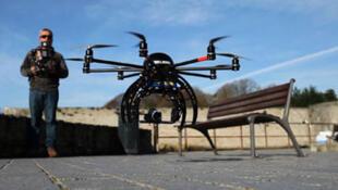 Frédéric Durand utilise son drone Helibird 1