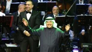 الفنان السعودي محمد عبده كان من بين النجوم المشاركين في أغنية سياسية تهاجم قطر