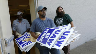 Des employés de General Motors se préparent pour la grève dans le Michigan, le 15 septembre 2019.