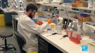 En Suède, des chercheurs sont sur la piste d'un traitement contre le Covid-19.
