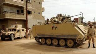 مدرعات للجيش المصري في شبه جزيرة سيناء