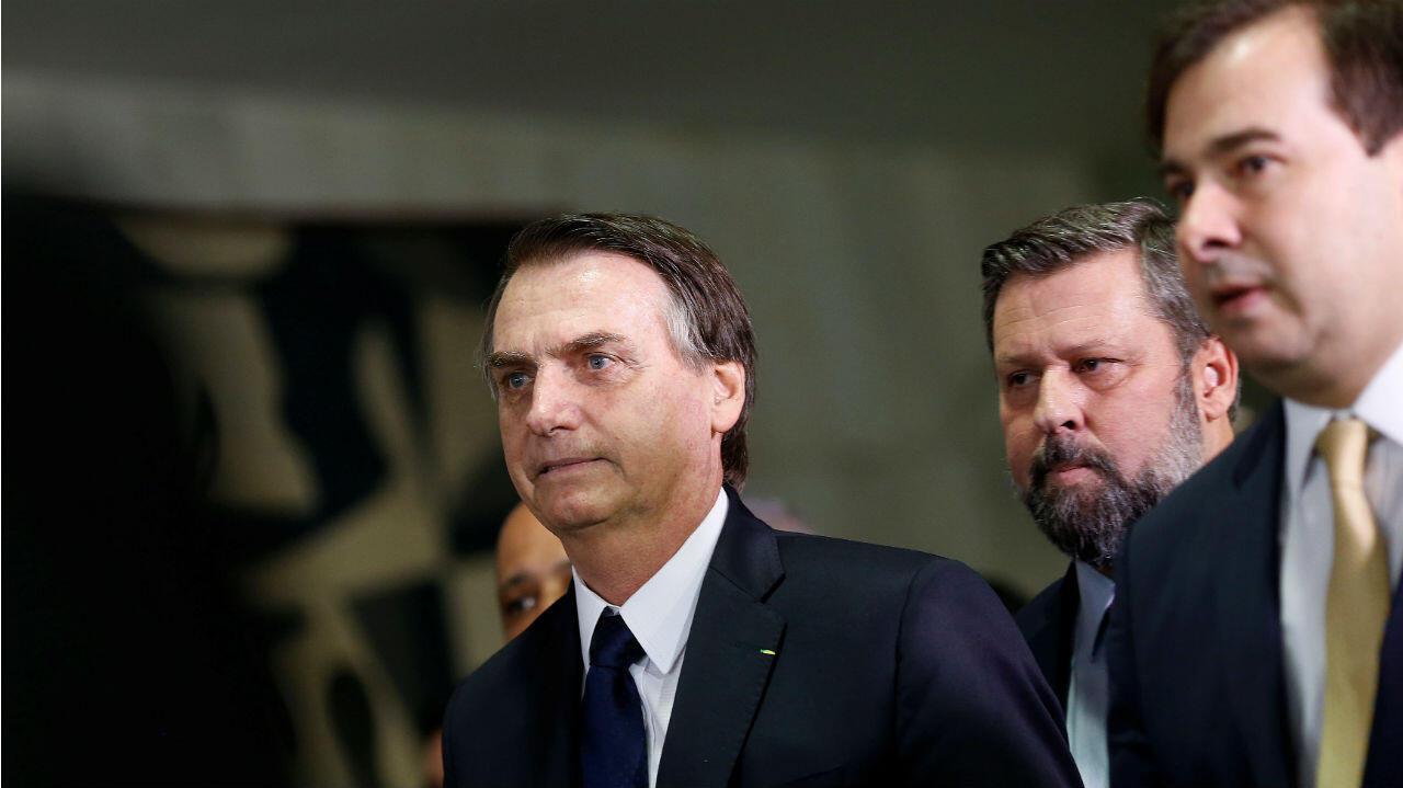 El presidente de Brasil, Jair Bolsonaro, durante la entrega del texto de reforma pensional en el Congreso Nacional en Brasilia, Brasil, el 20 de febrero de 2019.