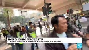2019-12-26 12:11 Hong Kong protests: clashes break out between police and demonstrators over Christmas holidays