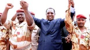 Le 14 mai 2013, Idriss Déby accueille les soldats revenus du front malien