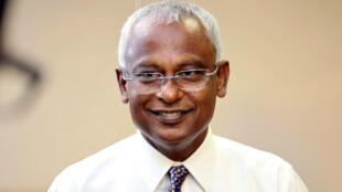 El candidato presidencial de la oposición, Ibrahim Mohamed Solih, habla a los medios al final del día de las elecciones presidenciales. Maldivas.