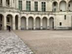 Tourisme: l'économie des châteaux de la Loire menacée par le coronavirus