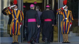 Pendant deux semaines, 182 évêques et cardinaux se réunissent lors du synode sur la famille.