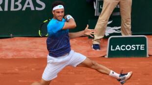Marco Cecchinato, immense face à Novak Djokovic.