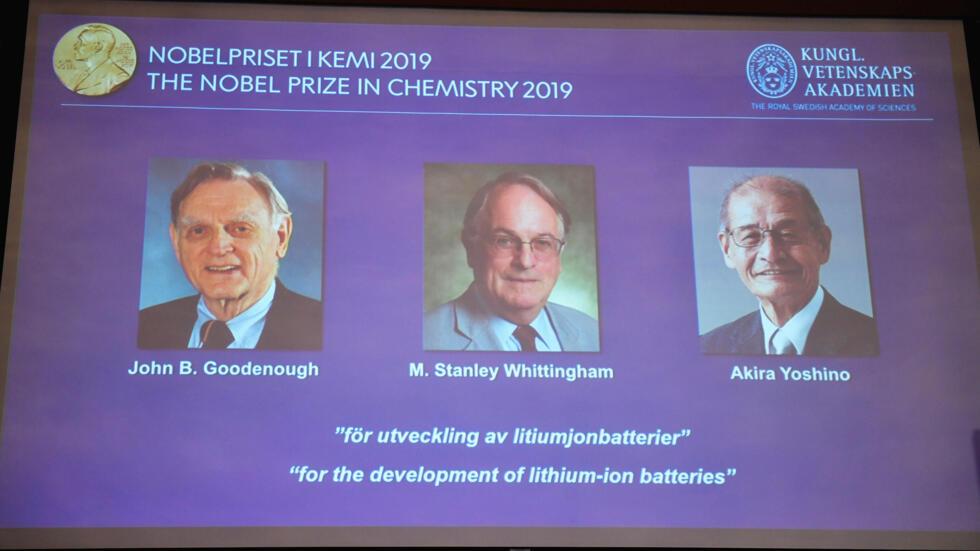 Imagen con los tres ganadores del premio Nobel de Química 2019 en la Real Academia Sueca de las Ciencias. Estocolmo, Suecia, 9 de octubre 2019.