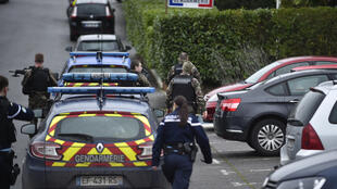 Gendarmes control the access to the gendarmerie headquarters of Dieuze, eastern France, on February 3, 2020, after a man was shot by a gendarme after attacking him with a knife. - The gendarme was lightly wounded in the arm by the attacker, a 19-year-old serviceman.