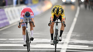 Van der Poel (left) and Van Aert battling for honours in Flanders
