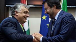 Viktor Orban et Matteo Salvini sont partisans d'une ligne dure face aux migrants arrivant en Europe.