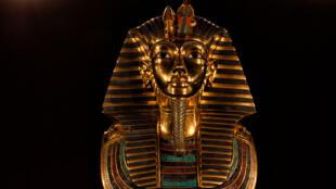Réplique du masque mortuaire de Toutankhamon.