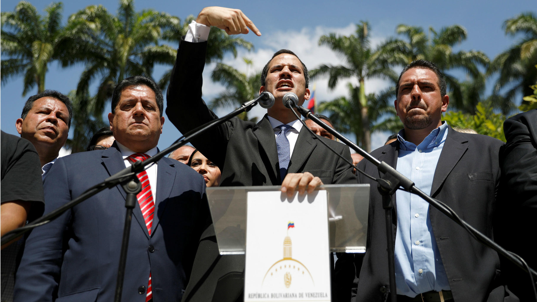 El presidente de la opositora Asamblea Nacional, Juan Guaidó, habla en una conferencia en Caracas, Venezuela, el 21 de enero de 2019.