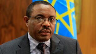 El renunciante primer ministro etíope Hailemariam Desalegn durante una entrevista con la agencia Reuters, el 13 de octubre de 2013.