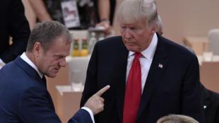 Le président du Conseil européen, Donald Tusk, et le chef d'État américain, Donald Trump, lors du sommet du G20 à Hambourg, le 8 juillet 2017.