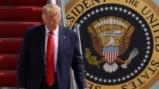 Donald Trump atterrit à la base militaire d'Andrews, jeudi 26 septembre.