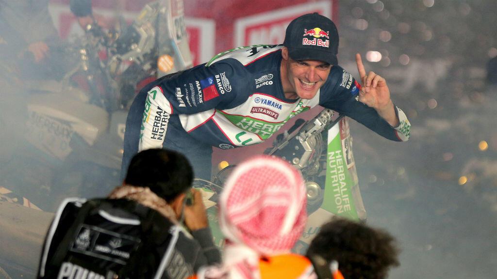 El chileno Ignacio Casale celebra su tercer Dakar en Qiddiya, Arabia Saudita. 17 de enero de 2020.