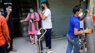 nueva delhi confinamiento covid