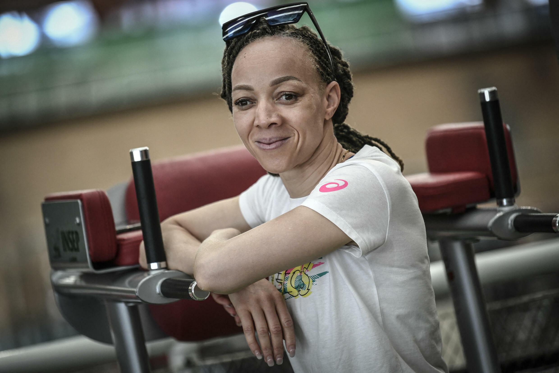 Nantenin Keita ne se limite pas au sport. Elle est engagée contre les discriminations faites aux Albinos.