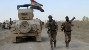 """قال الجيش العراقي إنه استعاد السيطرة على مبنى بلدية الفلوجة من أيدي تنظيم """"الدولة الإسلامية"""""""