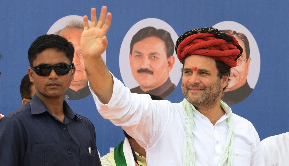 Rahul Gandhi salue la foule de ses supporters, le 9 octobre 2017.