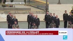 2020-07-14 11:57 14 juillet : la Marseillaise chantée par le chœur de l'armée française, la patrouille de France en fin de cérémonie