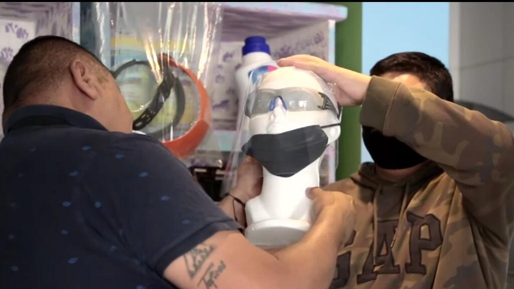 Un restaurante decidió vender productos de protección contra el Covid-19 para sobrevivir la crisis en Ciudad de México.