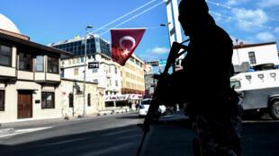 Seize jours après l'attaque de la discothèque Reina à Istanbul, le principal suspect a été arrêté.
