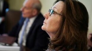 مديرة وكالة الاستخبارات المركزية الأمريكية جينا هاسبل تشارك في اجتماع في البيت الأبيض في 16 آب/أغسطس 2018.