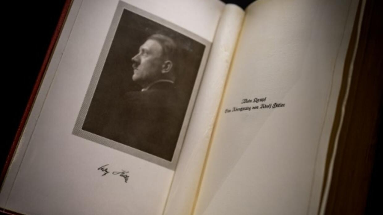 Swiss exhibit catalogues draw of war, desire for peace