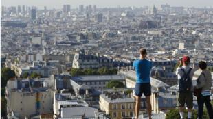 La fréquentation touristique de Paris et de l'Ile-de-France est en recul de 6,4% par rapport à un an plus tôt.