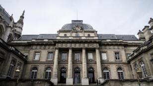 Façade du palais de justice de Paris.