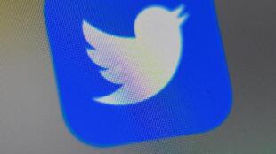 شعار تويتر على شاشة هاتف ذكي في 4 أيلول/سبتمبر 2019