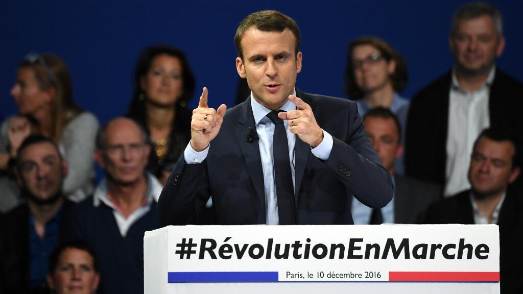 Emmanuel Macron, samedi 10 décembre 2016, en meeting à Paris.